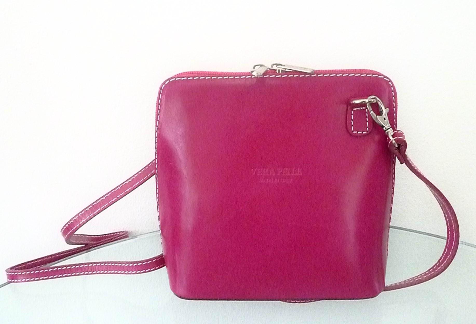 praktische kleine lederhandtasche zum umh ngen pink. Black Bedroom Furniture Sets. Home Design Ideas